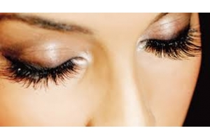 Care for lashes. The reasons of eyelashes loss and ways to restore eyelashes.